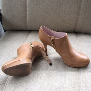 Tan Leather Elvin Booties by Vince Camuto